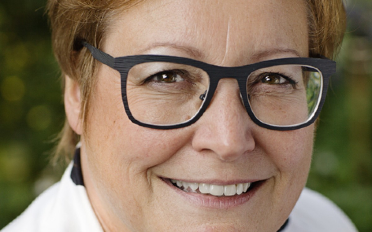 Irmgard Bomers, Werken in Netwerken